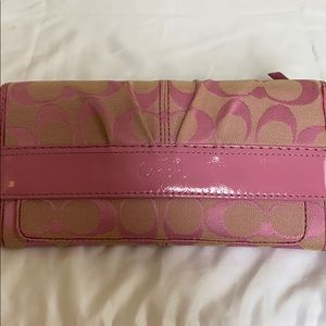 COACH Signature SOHO Pink Wallet